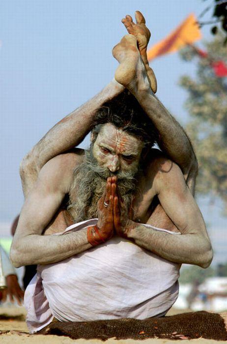 Indian Sadhu Yogiraj Srikant, performs y